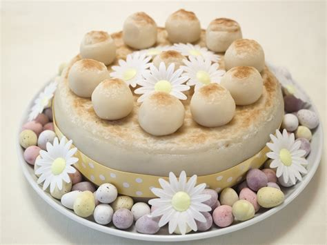easter decorations to file decorated simnel cake 14173161143 jpg wikimedia