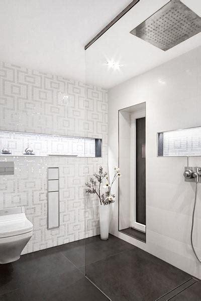 schlichte sch 246 nheit und extravaganz im wei 223 en badezimmer