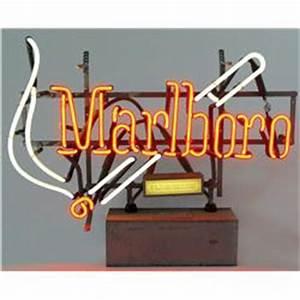 Marlboro cigarettes neon sign VG working cond 16