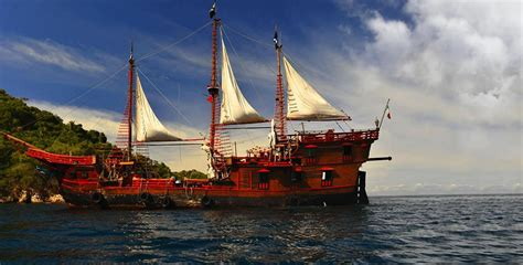 Barco Pirata En Puerto Vallarta by Marigalante Pirate Ship Puerto Vallarta