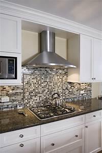 Kitchen Chimney Hood & Backsplash Detail - Contemporary