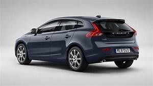 4 4 Volvo : volvo v40 d4 inscription 2016 review road test carsguide ~ Medecine-chirurgie-esthetiques.com Avis de Voitures