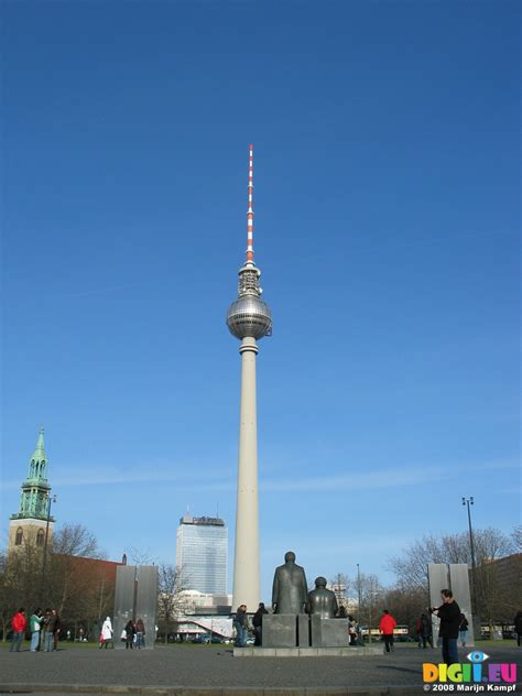 Fernsehturm Berlin by Picture 25523 Fernsehturm Berlin Tv Tower At