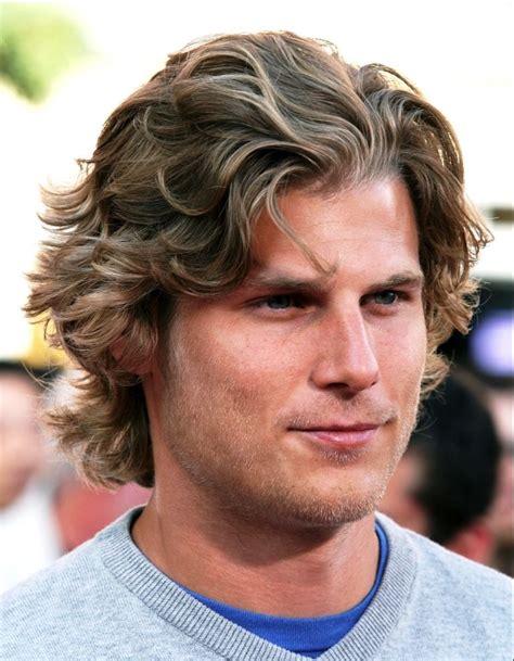 short to medium hairstyles for men medium length