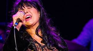 Heart's Ann Wilson Reigns Supreme In Smokin' Cover Of Jimi ...