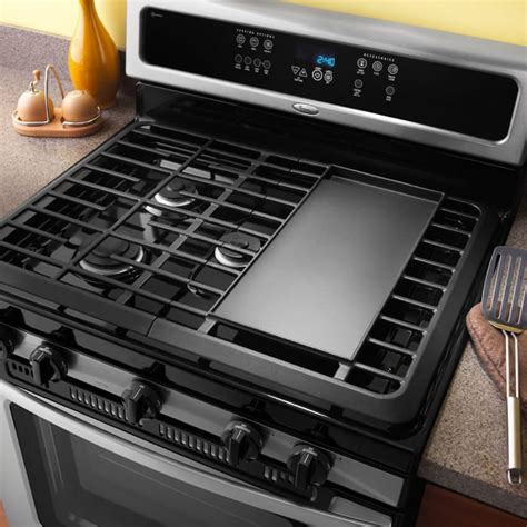 whirlpool gfglvs   freestanding gas range   cu ft capacity oven full width