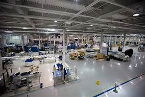 A View Inside SpaceX's Headquarters - Softpedia