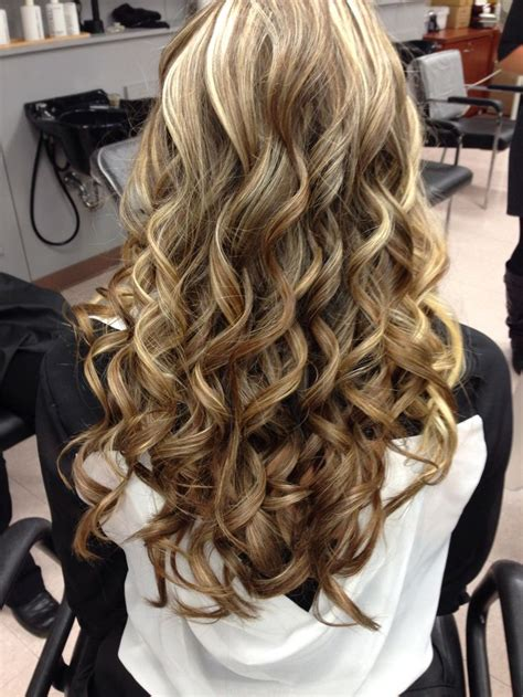 haircuts for thick hair secret curls in my hair just used a wand and 9841