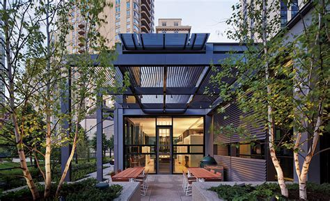 Lincoln Park Residence by Tigerman McCurry Architects