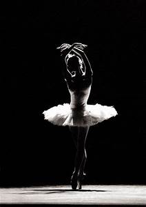The St Petersburg Ballet Performs Swan Lake At MBS ...
