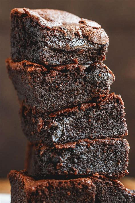 Featuring tons of brownies, cookies, cakes, and so much more! Super Fudgy Low-Carb Keto Brownies Recipe - Best Keto ...