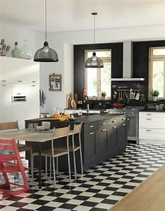 Ilots Central Cuisine : la cuisine noire et blanche plus contemporaine que jamais elle d coration ~ Melissatoandfro.com Idées de Décoration