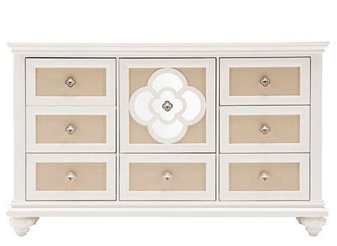 raymour and flanigan lindsay dresser 17 best images about decorate the season with myrfholiday