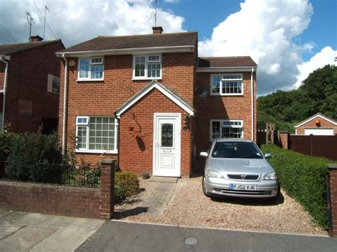 5 Bedroom Detached House For Sale In Surrey Close, Corby
