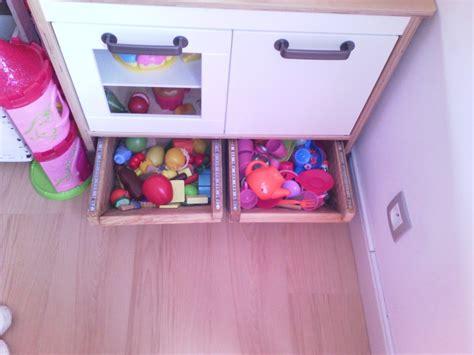 cuisine duktig ikea création de tiroirs de rangement sous mini cuisine duktig