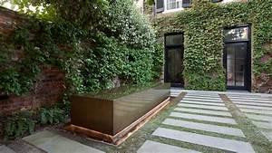 Three, Courtyards