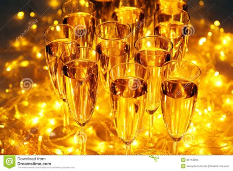 celebration party drinks  include champagne
