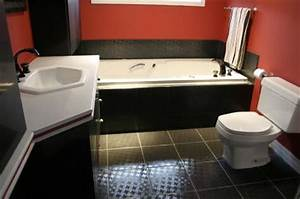 Bathroom decorating ideas black white and red 2017 for Black white and red bathroom decorating ideas