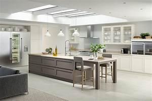 Küche Landhausstil Weiß Modern : grifflose k che im modernen stil wenn weniger mehr ist ~ Indierocktalk.com Haus und Dekorationen