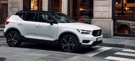 volvo xc  twin engine plug  hybrid revealed