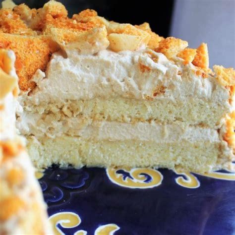 Blum's coffee crunch cake source: Blum's Coffee Crunch (#cakeslicebakers) - My Recipe Reviews