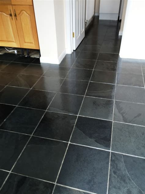 Best 15  Slate Floor Tile Kitchen Ideas   DIY Design & Decor