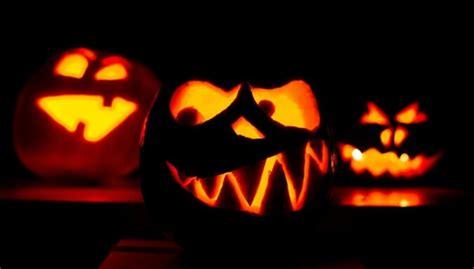 Helovīna simbols - ķirbji. Radošas idejas ogu grebšanai un ...