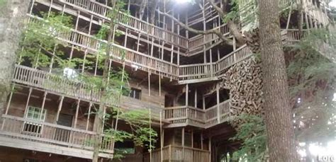 Crossville, Tn-the Minister's Tree House (closed