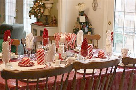 candy cane table theme cute kids39 tablescape - Candy Cane Christmas Table Decorations
