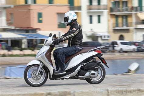 Review Piaggio Medley by Piaggio Medley 125 Launch Review Road Test Scooterlab