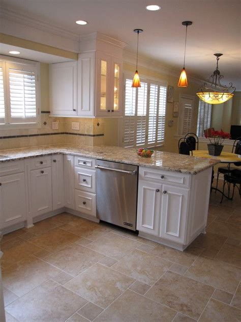 white cabinets countertop what color floor 25 best ideas about tile floor designs on