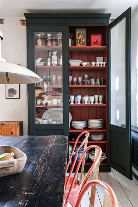 Paint Inside Cabinets - painting the inside of kitchen cabinets eatwell101