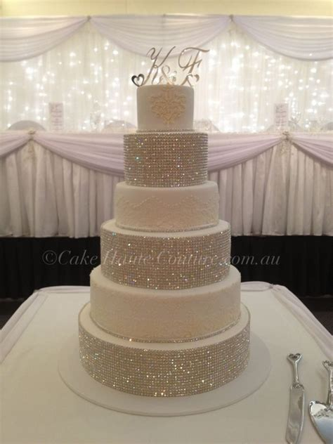 bling wedding cakes 25 best ideas about bling wedding cakes on