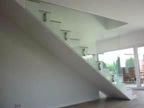 treppen gelã nder chestha innen design treppe