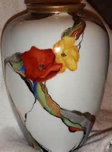 les 25 meilleures id 233 es concernant peinture sur porcelaine sur fleurs peintes