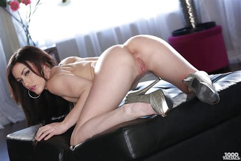 Jennifer White Bent Over In Nothing But Sexy High