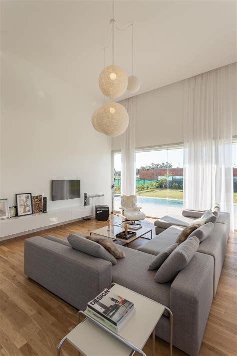 living livings de estilo por vismaracorsi arquitectos en