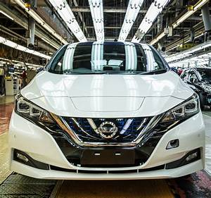 Nissan Leaf 2018 60 Kwh : 2019 nissan leaf adds rear door alert 60 kwh battery incoming autoevolution ~ Melissatoandfro.com Idées de Décoration