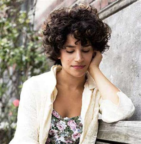 very pretty short curly hairstyles you will love