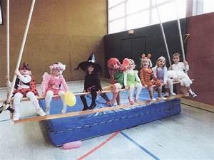 Turnen Mit Kindern Ideen : kindergruppe beim fasching gym parent enfant pinterest ~ One.caynefoto.club Haus und Dekorationen