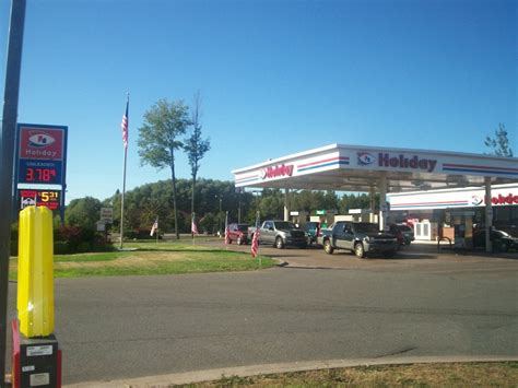 holiday gas station nearest  sanjonmotel