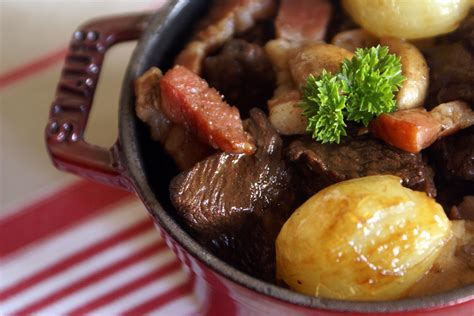 cuisiner bourguignon boeuf bourguignon recette du boeuf bourguignon avec