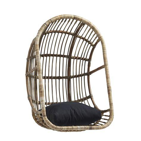 schommelstoel tuin rotan hangstoel rotan open tuindecoratie tuininrichting
