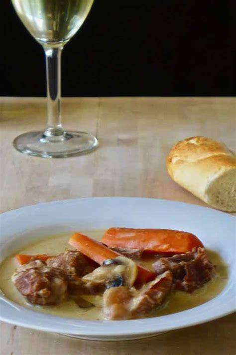 cuisiner une blanquette de veau blanquette de veau recette traditionnelle française