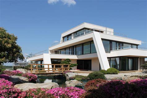 Moderne Häuser Am See by Diese Avantgardistische Luxusvilla Mit Japangarten Steht