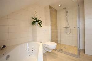 Bad Holzoptik Fliesen : bad mit holzoptik fliesen landhausstil badezimmer k ln von peter wiel gmbh ~ Sanjose-hotels-ca.com Haus und Dekorationen