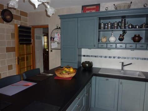 modele de placard de cuisine cuisine cottage avec portes en chêne massif l p n s