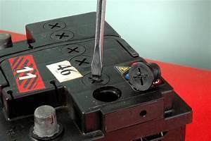 Peut On Recharger Une Batterie Sans Entretien : l entretien de la batterie d une voiture minute ~ Medecine-chirurgie-esthetiques.com Avis de Voitures