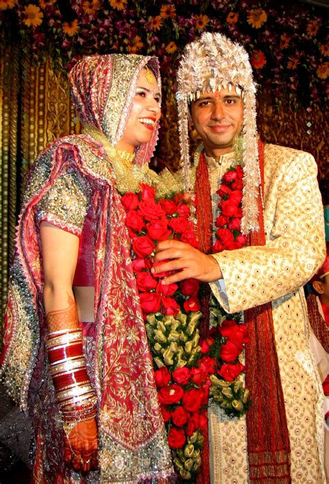 Get indian wedding ideas, wedding planning checklists, read about the traditional indian wedding customs, and plan the wedding of your dreams. 50 Photos of a traditional wedding ceremony in India ...