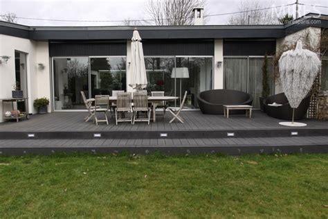 grande terrasse en bois noir  mires paris